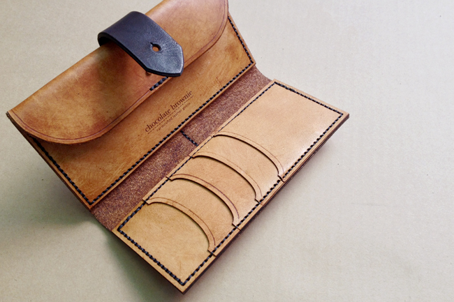 amazing leather purse by chocolate brownie